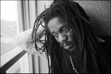 <a href='https://reggae.fr/artiste-biographie/60_Dennis-Brown.html'>Dennis Brown</a> 1984