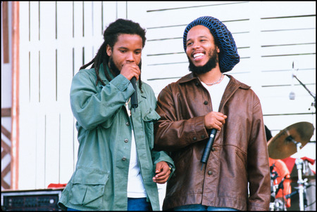 Stephen and <a href='https://reggae.fr/artiste-biographie/969_Ziggy-Marley.html'>Ziggy Marley</a> 1999